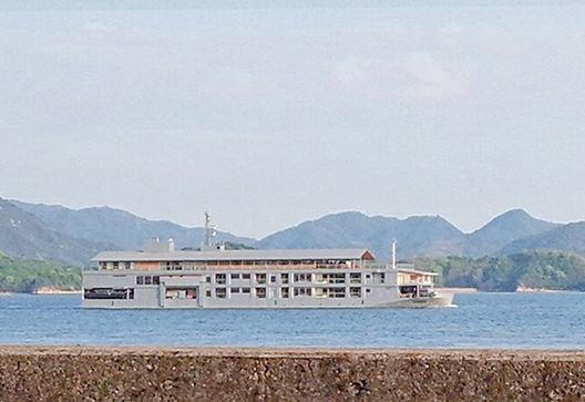 広島の月刊わしら:2019年05月の広島:船を見る、という楽しみは瀬戸内の特権じゃと思わん?